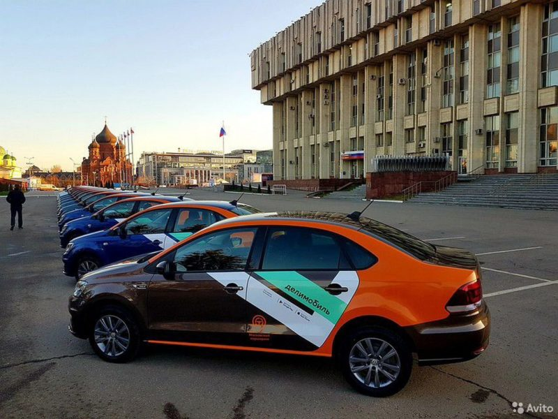 Машины Делимобиль в СПб